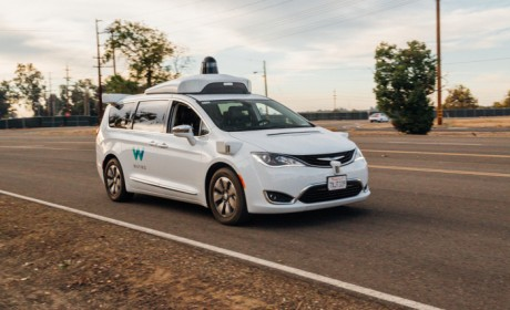 厉害了!Waymo自动驾驶汽车可读懂交警手势信号