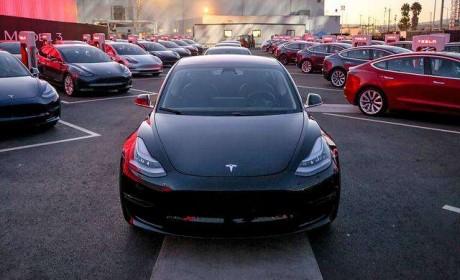 国产32.8万元起,特斯拉是来诚心卖车还是来恶意收割?