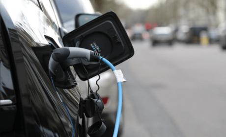 全球电动汽车销量今年预计下降18% 燃油车下跌23%