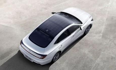 """全球首款量产""""太阳能汽车""""韩国上市 一年多跑1300公里"""