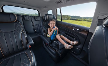 福特领裕七座版新车型上市 售价20.18万-22.18万元